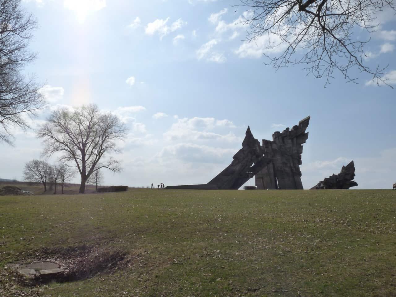 אנדרטת הפורט התשיעי בקובנה